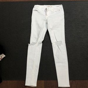 NEW white distressed Levi jeans